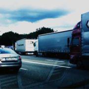 Videobeitrag zur Lkw-Parkplatznot an der A6